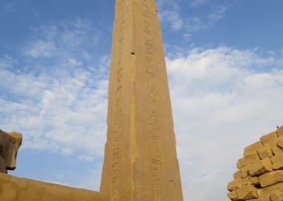 Der Schwesternobelisk zum Obelisken in Paris